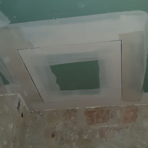 techo antihumedad con registro para poder acceder máquina AC